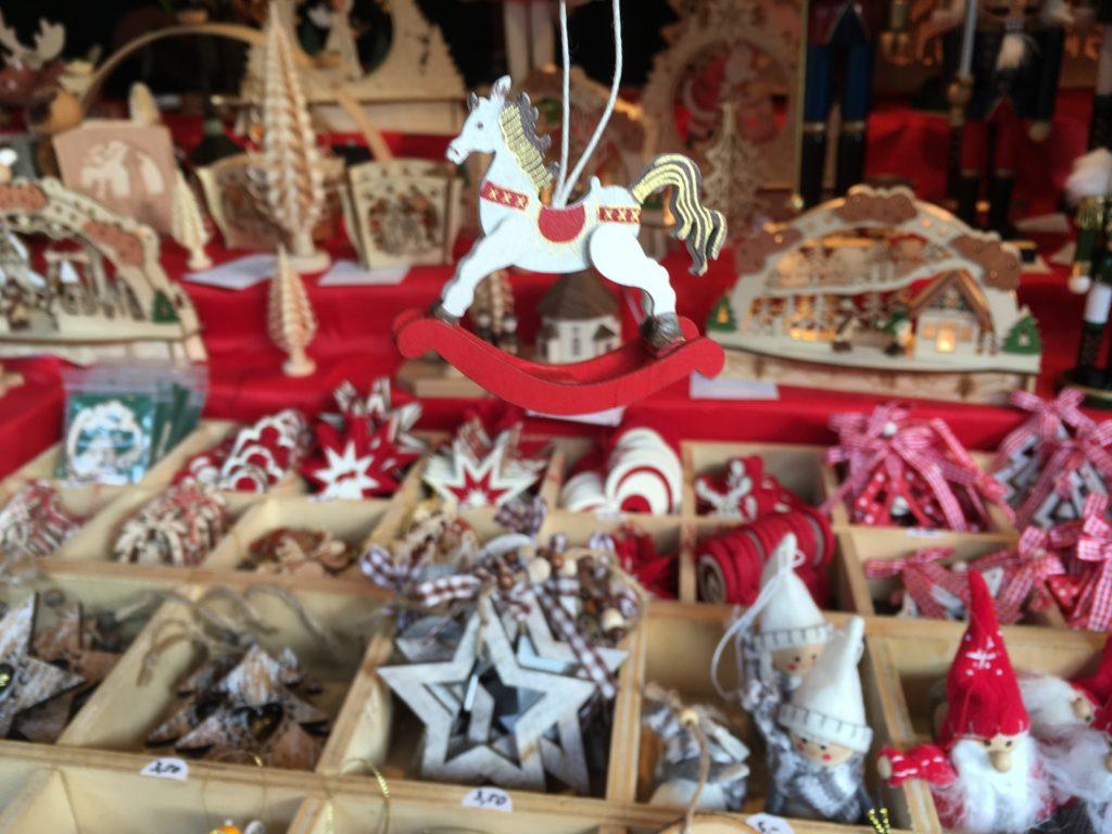 Wooden-Handmade-Christmas-Decorations