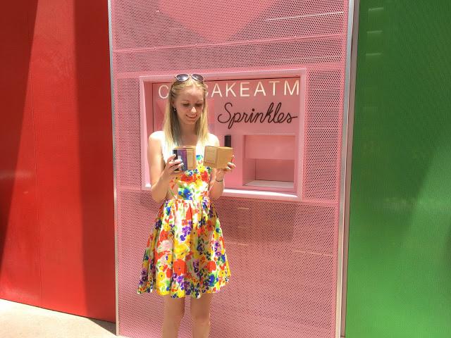 sprinkles cupcake atm las vegas