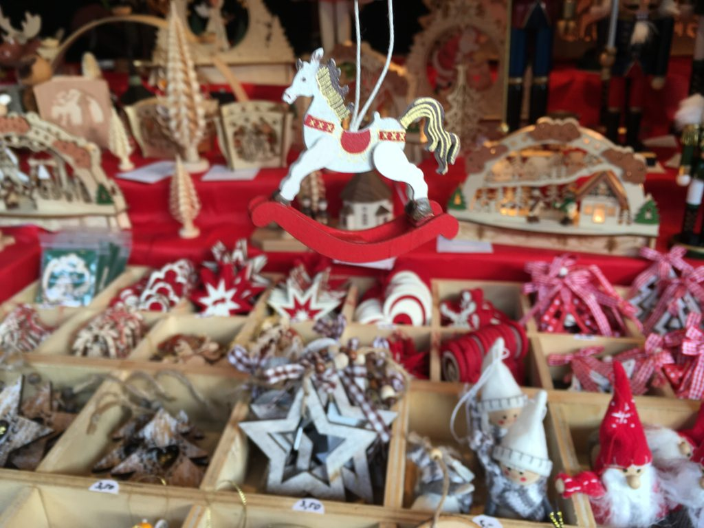 Wooden-Handmade-Christmas-Decorations