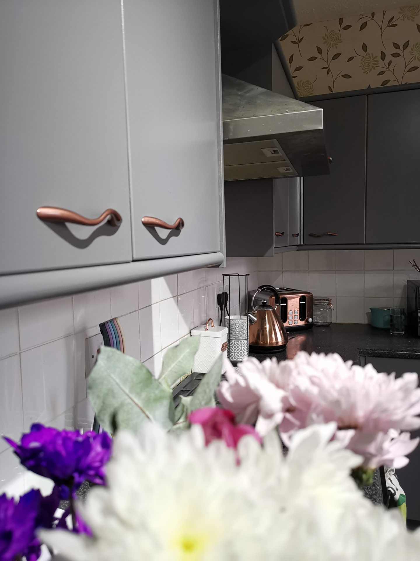 Kitchen Renovation under £250 - After Photo - Grey and Rose Gold Accents