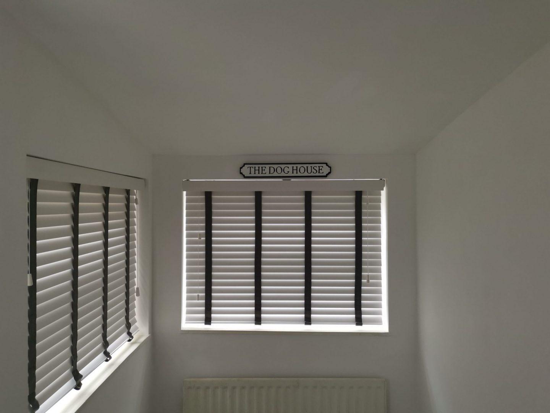 makemyblinds_faux_vs_real_wood_blinds_renovation